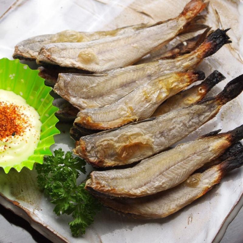 【送料無料】北海道根室産!生干しこまい(氷下魚)2kg入り!獲れたてコマイを寒風天日干し後に急速冷凍!