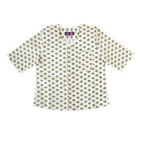 こいくち 子供 鯉口シャツ 黒菊小紋サイズ:JS・JM・JL・JLL素材:綿100%従来の鯉口シャツとは違い立体的に縫製をし、特に首回りやアームホールの着心地にこだわりました