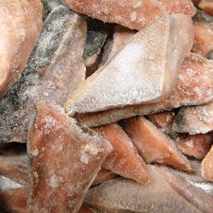天然ブリ切り落とし(冷凍)約350g (浜坂産)切れ端です。(鰤・ぶり・かま・あら・アラ・イナダ)