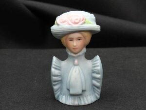 女性のファッション 胸像 ファッション シルエット コレクション 1982年発行 エイボン AVON モデル トルソー シンブル 指貫き 母の日 誕生日 プレゼント ソーイング ディスプレイ飾りに コレク