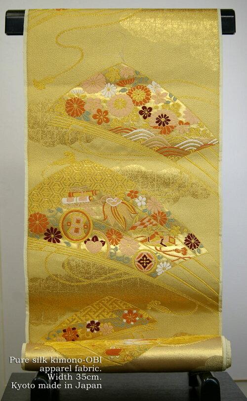 日本製絢爛豪華な正絹帯はぎれ230cmシルクはぎれ【金銀引き箔の縫い取り織】10cmあたり単価180円です。人形細工、パッチワーク手芸、壺敷き、テーブルセンターなどに使えます。幅32cmの絹ハギレ、日本製/メール便対応