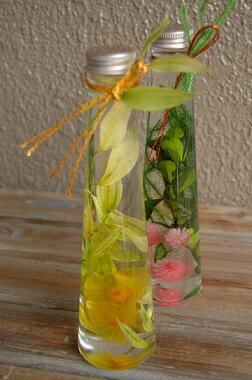 敬老の日ギフトハーバリウム・葉月・もも*ガラスボトルの中で、お花や実物が揺らめいている様子がなんとも可愛くてきれいなハーバリューム。和風タイプが登場です/お祝い 花電報 誕生日 結婚祝い 内祝 楽屋見舞い 自宅用 お見舞い/引出物/敬老の日