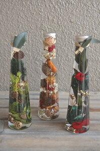 ハーバリウム プリザーブドフラワー 【クリスマスツリー】 ガラスボトルの中で、お花や実物が揺らめいている様子がなんとも可愛くてきれいなハーバリューム Xmas Christmas お祝い