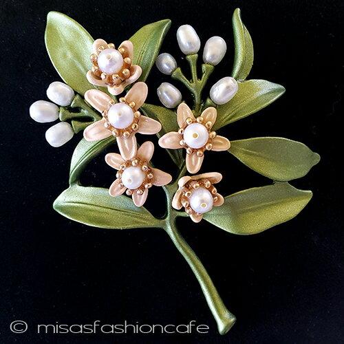 フラワーブーケ ブローチ オレンジの花 真珠 パールブローチ セレモニー 結婚式 お呼ばれ ギフト プレゼント