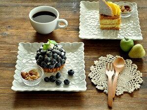 食器 取り皿 おしゃれ 中皿 美濃焼 ケーキ皿 角皿 アウトレット カフェ風 白磁 ポーセラーツ (17.8cm)プルメリアのスクエアープレート