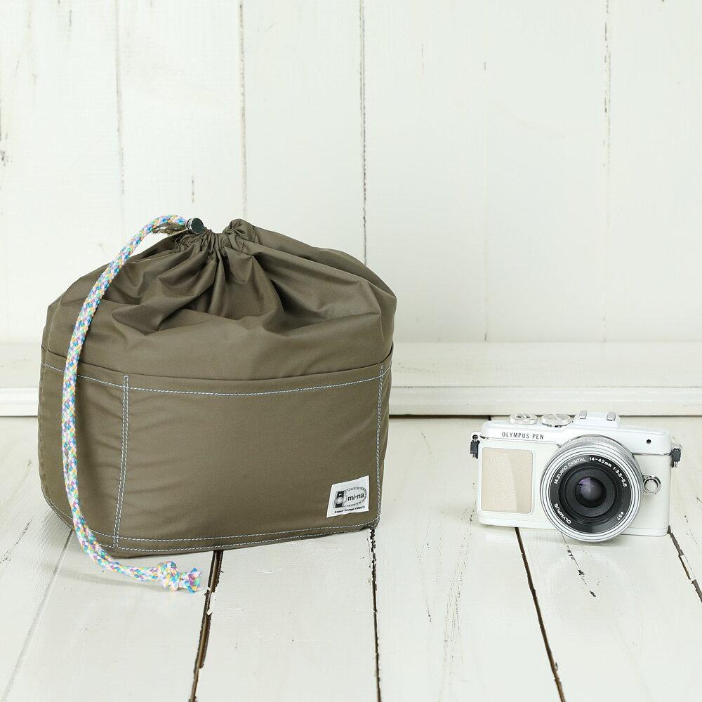 カメラバッグ おしゃれ ふわふわソフトタイプ カメラ用 12ポケットインナーバッグ/ モンブランブラウン