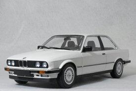 ミニチャンプス 1/18 スケールBMW 323i ( E30 )1982年 ホワイト