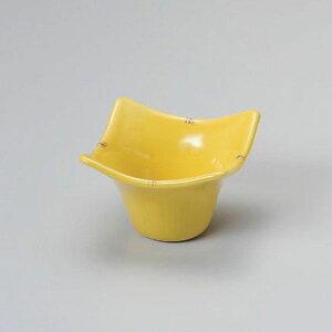 黄釉二彩花小鉢 和食器 小付 業務用 約8.2cm お通し もずく酢 珍味 カップ 小鉢 小 たこわさ 人気 定番 デザート 杏仁豆腐 焼肉店