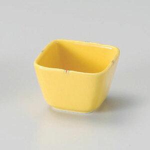 黄釉二彩3.3角小鉢 和食器 小付 業務用 約7.9cm お通し もずく酢 珍味 カップ 小鉢 小 たこわさ 人気 定番 デザート 杏仁豆腐 焼肉店