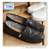 TOMS湯姆鞋女士運動鞋鞋WOMENS GLITTER CLASSICS燦爛古典女式無袖內衣開Black Glitters(001013B09)