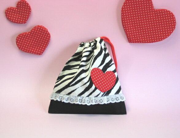 コップ袋 赤いハートが可愛い ゼブラ 入園グッズ コップ入れ 女の子 レース 巾着袋 ボーダー 幼稚園・小学校で 入園準備・入学準備 日本製【メール便可