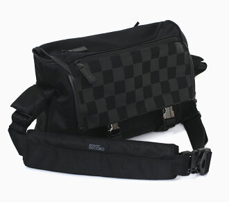 """Aosta デコーロ M AOS-DC1SHM-BK """"1 ~ 3 business days after shipping, the impressive shoulder camera bag is a checkerboard design. Camera bag that can store accessories with lens digital SLR, lens 1 book,. The fs3gm"""