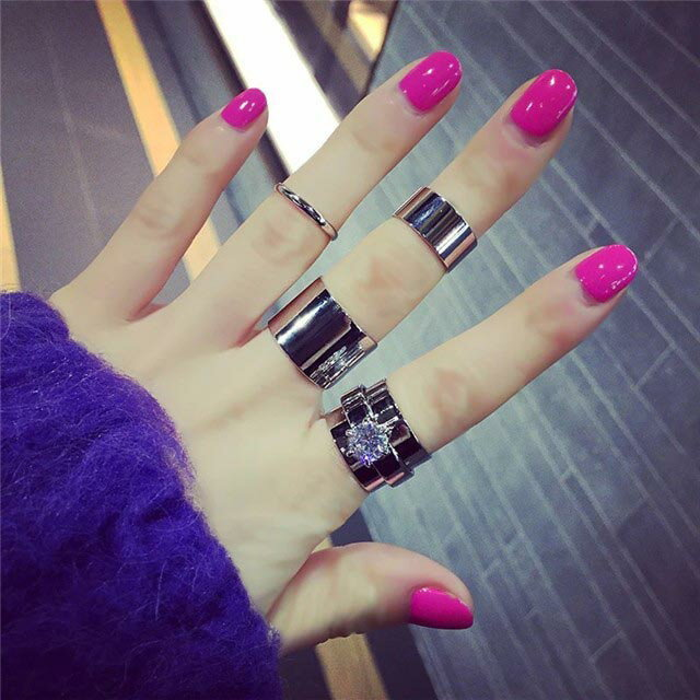ロレーヌファランジリング(4本セット) 指輪 ファランジリング チップリング メンズ レディース フォークリング ミディリング フィンガーリング クリスタル ジルコニア フリーサイズ 04号 指先の指輪 関節の指輪 チップリング シルバー 銀色 結婚式 ボーイッシュ