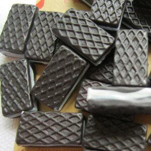 ビターウエハースアクリルパーツ/1個販売 チョコレート スイーツ お菓子 食玩 おもしろ ユニーク 面白い 個性的 アクセサリー ピアス パーツ プラスティック イヤリング 貼り付け チョコレ