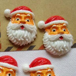 サンタクロースアクリルパーツ/1個販売 クリスマス おもしろ ユニーク 面白い 個性的 アクセサリー ピアス パーツ プラスティック イヤリング 貼り付け マグネットピアス チャーム ネイル