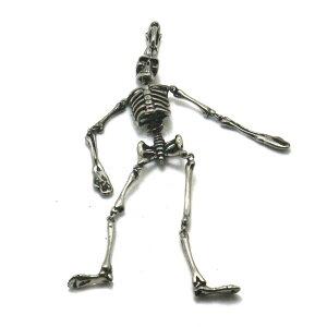 ダンシングビッグスカルペンダントトップ 1個販売 メンズ レディース 男性 女性 ネックレスパーツ サージカルステンレス316L おしゃれ プレゼント ギフト 首飾り チョーカー ドクロ がい骨