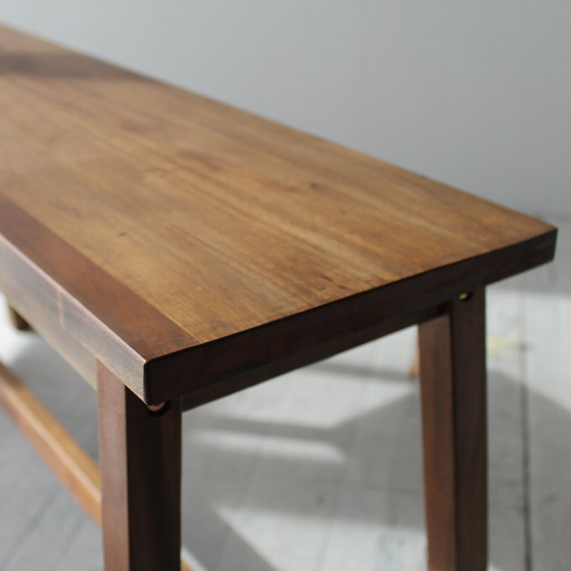 北欧家具 無垢材 ダイニングベンチ シンプルで素朴な、マホガニー材のベンチ