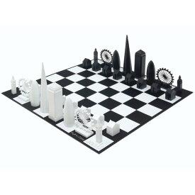 ロンドン スカイライン チェスセット The London Skyline Chess Set 送料無料 【並行輸入品】