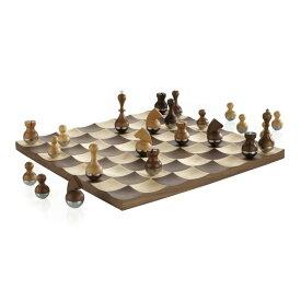 Umbra バディ 木製チェス セット Umbra Wobble Chess Set, Brown 送料無料 【並行輸入品】