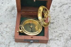 真鍮製 日時計 コンパス 真ちゅう サンダイアル Nautical India Brass Sundial Compass Marine Nautical Sun Clock Steampunk Accessory All Occasion.Camping Compass with Wooden Box, Boating Compass, Gift Compass, Graduation Day Gifts, Husb 【