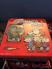 チェスセット Peanuts Chess Set (Tin Carry Case Included) 送料無料 【並行輸入品】