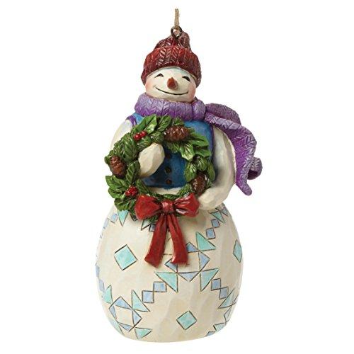 ジム ショア ハートウッド クリーク スノーマン ウィズ リース リースを持った雪だるま オーナメント 4.75 インチ Snowman w/Wreath Ornament 4.75 IN 【 フィギュア 置物 置物 キャラクター 人形 プレゼント クリスマス 誕生日 】 送料無料 【並行輸入品】