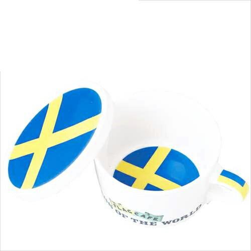 国旗デザイン ふた付マグカップ フラッグカフェ フタ付マグカップ スウェーデン/SWEDEN お洒落デザイン食器 陶器製 テーブルウェア MADE IN JAPAN/日本製誕生日ギフト雑貨【取寄品】