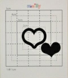【スワロフスキー37個付イニシャルシール】(ドコモ スマホ&オリジナルプリントケース・カバー)記号BK・Wハート