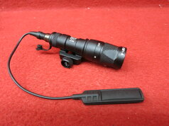 SUERFIREタイプM300AMINISCOUTLIGHTプッシュスイッチ付)(205)