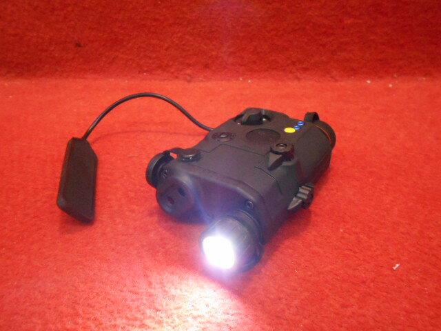 PEQ-15 LA5モデル LEDフラッシュライト&ダミーレーザーサイト(259)【スマホエントリーでP10倍】