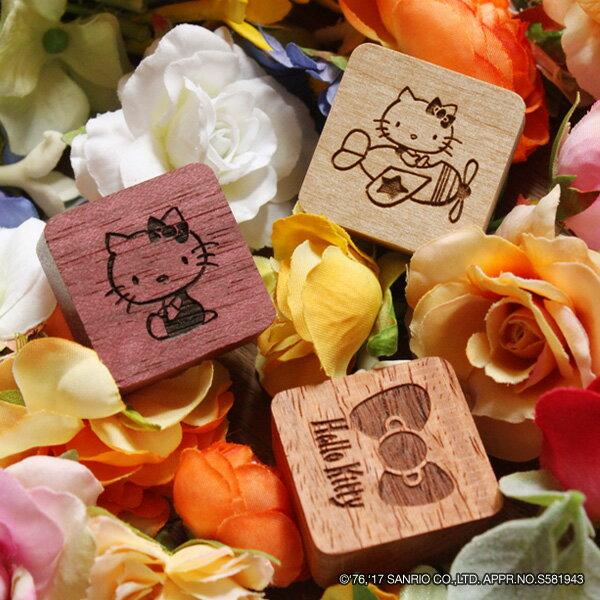 ■キティちゃんの木製マグネット(3個1セット)