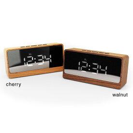 ■鏡にデジタル時計が浮かび上がる幻想的な木製デジタルミラークロック「Mirror Clock」