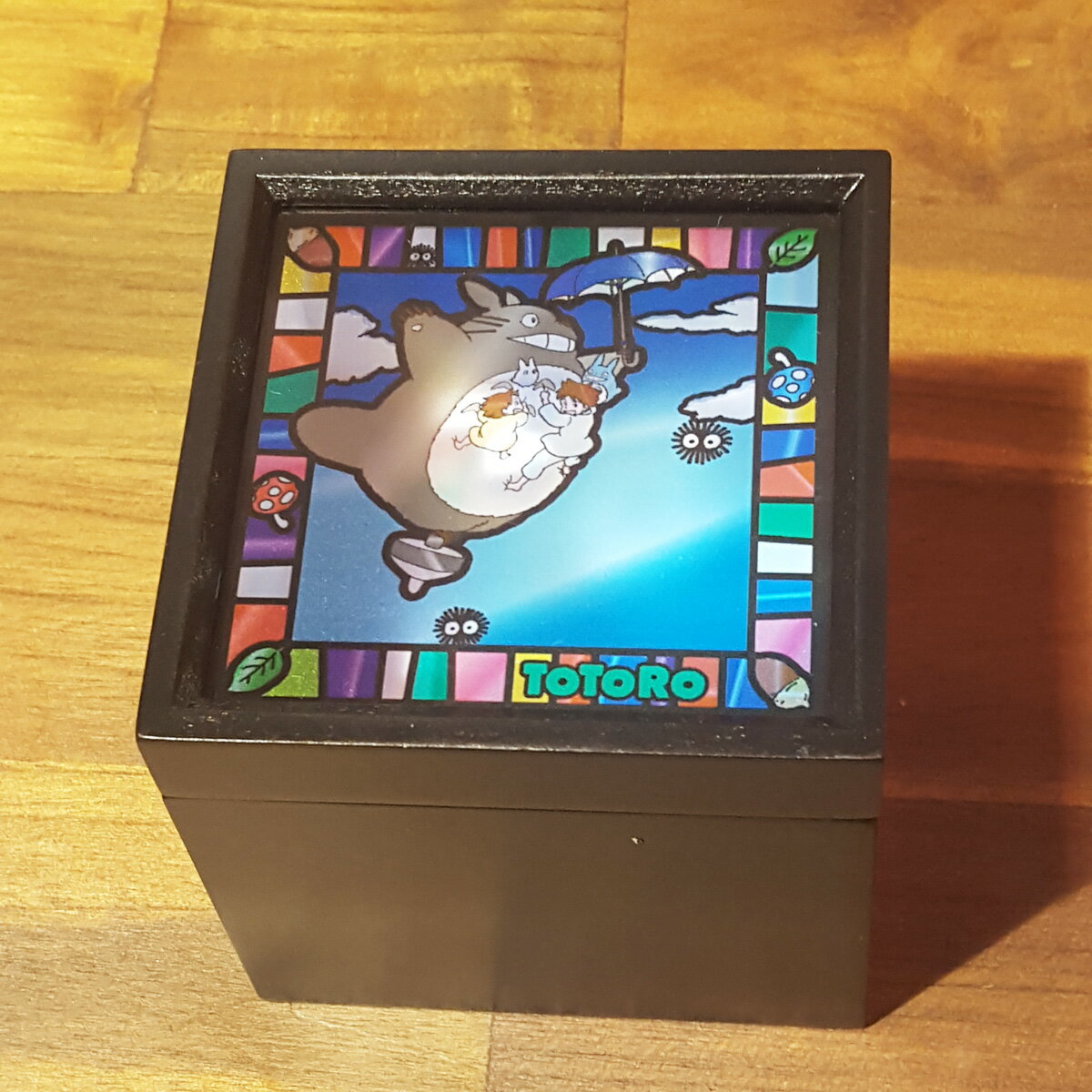 【スタジオジブリ作品】ステンドグラス風BOXオルゴールとなりのトトロ