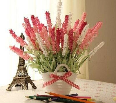造花 ラベンダー チェックのリボン付き 白い容器入り (ピンク&ホワイト)