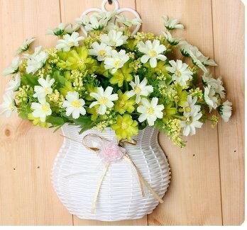 造花 コスモス マーガレット 壁掛け リボン付きかご入り (ホワイト×グリーン)
