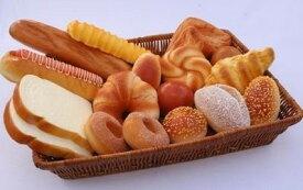 食品サンプル パン 17個 カゴ入り