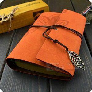 ノート ルーズリーフ レザー風 リーフのチャーム付き (オレンジ系)