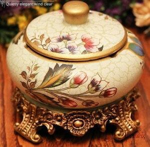 灰皿 ヨーロピアン風 花柄 台座 蓋付き 陶器製 (Kタイプ)