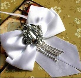 リボンタイ フォーマル 舞踏会風 ダイヤ風装飾付 (ホワイト)