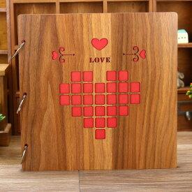 フォトアルバム ハート柄 正方形のピクセル風 透かし 木製カバー