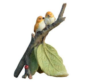 ガーデンオブジェ 置物 止まり木で寄り添う二羽の小鳥 木の葉 てんとう虫