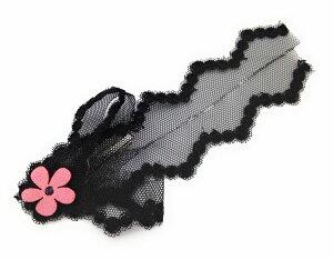 ヘアクリップ ブラックのレース ピンクの花のワンポイント 【送料無料】