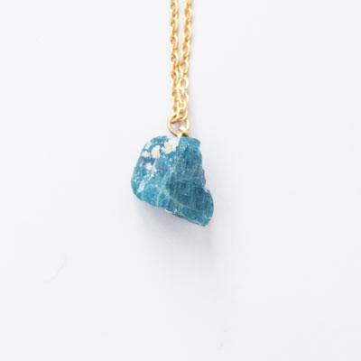 Laboratorium(ラボラトリウム)mineralogical necklace002 マットブルーアパタイト