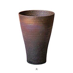 伊賀焼きの気孔状の表面が作り出すクリーミーな泡がビールのうまさを格別なものにしてくれます。伊賀焼きビアマグコレクションビアマグ炭焼(大)BC−12Φ10×h14cm500cc