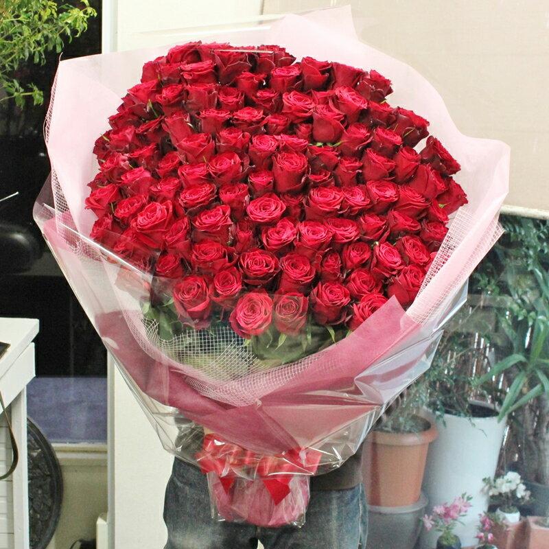 至極の赤いバラ、ピンクバラ(薔薇)100本の花束。特別なバラを揃えた、至極の花束。上質な赤バラを贅沢に束ねています。特別なプレゼントや、プロポーズなどにお贈りくださいませ。
