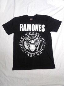 ロックTシャツ PUNK系 RAMONES ラモーンズ エンブレム S/M/L/黒/ブラック/バンT/バンドTシャツ/ハ−ドロック/HM/HR/ヘビーメタル/PUNK