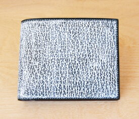 蝋引きシャークレザー 二つ折り財布  圧倒的な存在感! 鮫革×鹿革 純札