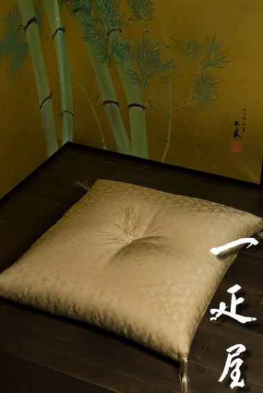 【送料無料】緞子(市松宝づくし)座布団・銘仙判(55x59cm)