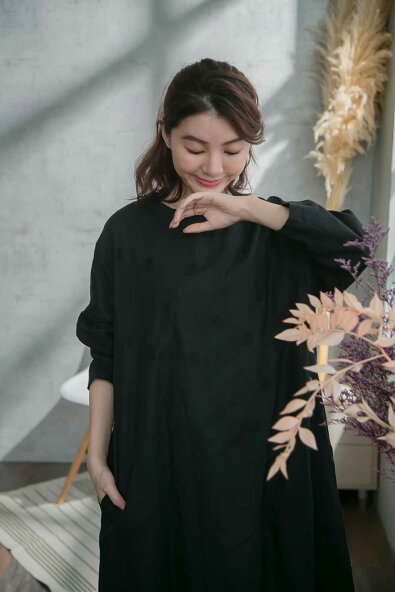 【087035】9分袖刺繍レースコットンAラインロングワンピース【全2色【ブラック黒色】