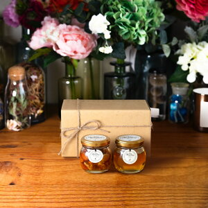 【生はちみつギフト】ナッツの蜂蜜漬けM(80g) + アカシアハニーM(90g) / ナチュラルクラフトボックス(M) + 麻紐リボン